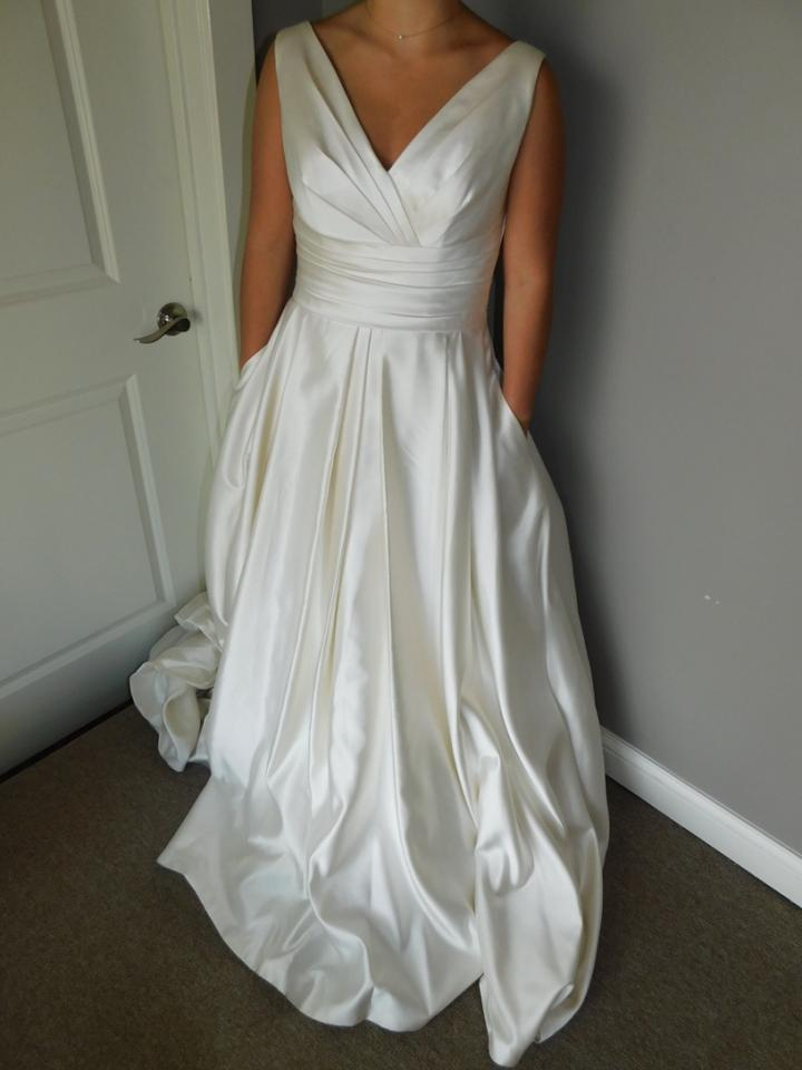 Ovias Dark Ivory Oo Wedding Dress Size 8 M