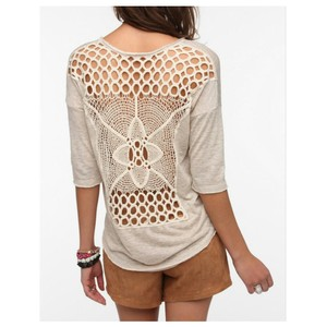 Urban Outfitters Elegant Trendy Crochet Cute Adorable T Shirt Beige
