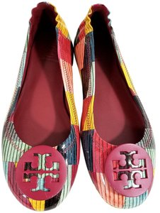 6bc08c8e0590 Tory Burch Travel Ballet Tonal Logo Rubber Outsole T Logo Medallion Folds  In Half Red Canyon
