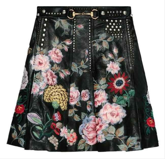 Preload https://img-static.tradesy.com/item/21690745/gucci-black-hand-painted-leather-skirt-size-6-s-28-0-3-650-650.jpg