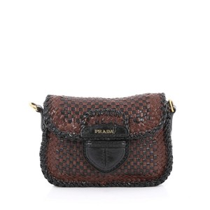ffdfe35fea Brown Prada Bags - Up to 90% off at Tradesy