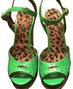 Jessica Simpson lime green Wedges