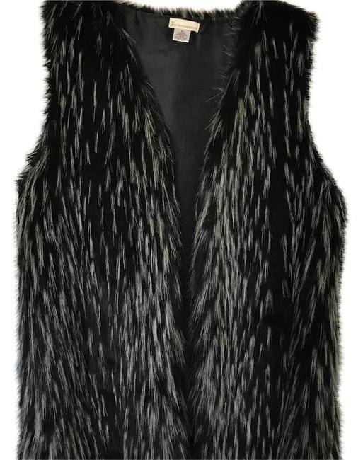 Item - Black and White Collection Eighteen Vest Size 10 (M)