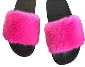 Givenchy Slides 39/8 New hot pink Sandals