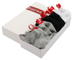 Supreme Supreme 6-pack socks in box black white & grey 2 pairs of each