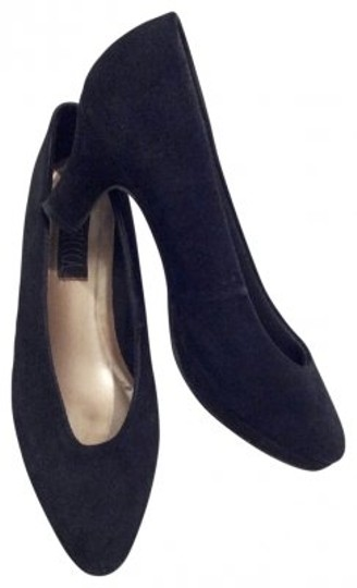 Preload https://item5.tradesy.com/images/black-sellecca-suede-style-1584-pumps-size-us-6-regular-m-b-21699-0-0.jpg?width=440&height=440