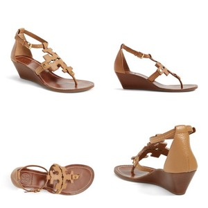 Tory Burch Pebbled Leather Low Wedge Gold Hardware Thong Chestnut/Tan Sandals
