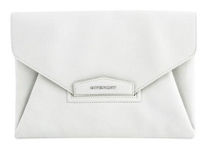 4973b8812e Givenchy Clutches - Up to 70% off at Tradesy (Page 3)