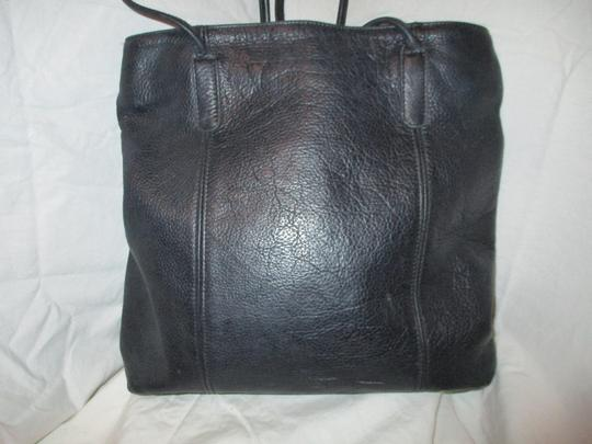 M. London Leather Tote in black Image 5