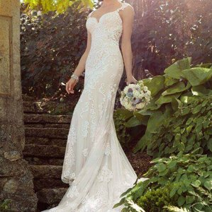 Essense of Australia All Ivory Lace D2205 Modern Wedding Dress Size 14 (L)