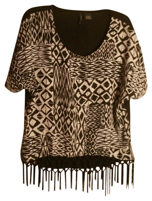 Preload https://img-static.tradesy.com/item/21707823/new-directions-black-and-white-sexy-little-blouse-size-12-l-0-1-650-650.jpg