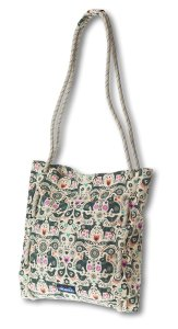 Kavu Canvas Tote in Green Folklore
