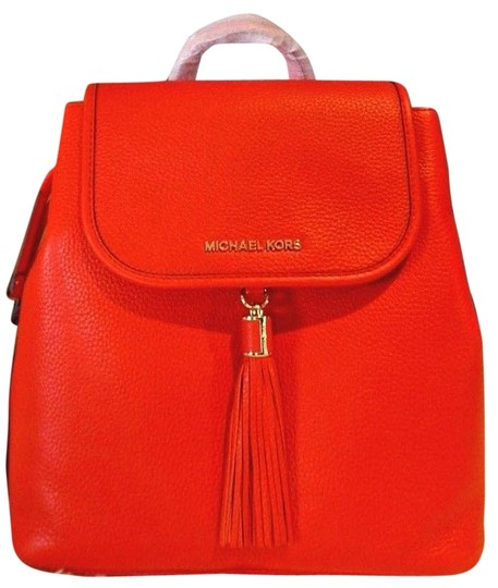 Preload https://img-static.tradesy.com/item/21708486/michael-kors-bedford-drawstring-pebble-red-leather-backpack-0-3-540-540.jpg