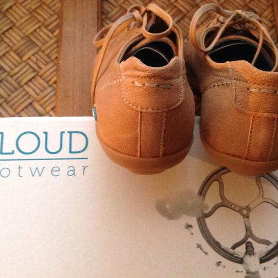 Cloud Light Brown Athletic