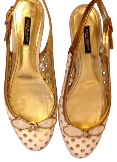 Preload https://img-static.tradesy.com/item/21708867/dolce-and-gabbana-white-and-gold-06748a-flats-size-us-8-regular-m-b-0-1-540-540.jpg