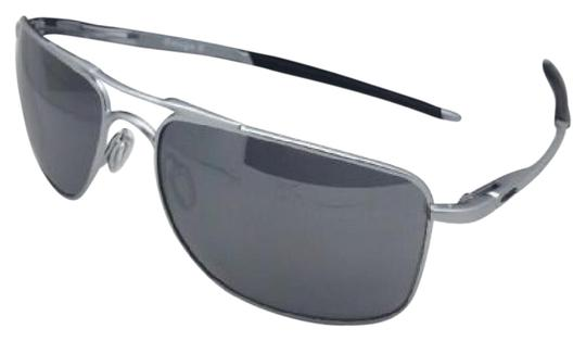 Preload https://img-static.tradesy.com/item/21709450/oakley-gauge-8-l-oo4124-0762-62-17-matte-lead-aviator-wblack-iridium-wbla-sunglasses-0-1-540-540.jpg