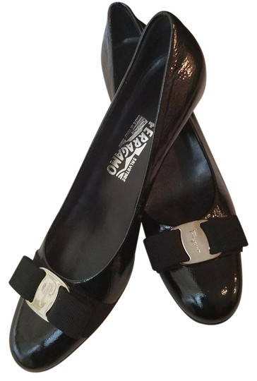 Preload https://img-static.tradesy.com/item/21709576/salvatore-ferragamo-black-patent-leather-pumps-size-us-85-narrow-aa-n-0-4-540-540.jpg