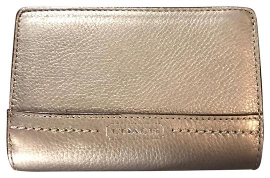 Preload https://img-static.tradesy.com/item/21709644/coach-pewter-park-leather-medium-style-f49153-wallet-0-4-540-540.jpg