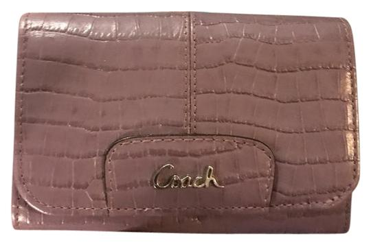 Preload https://img-static.tradesy.com/item/21710054/coach-lilac-purple-ashley-rare-lavender-croc-embossed-leather-style-46328-wallet-0-3-540-540.jpg