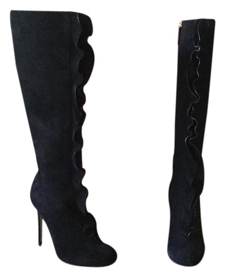 Preload https://img-static.tradesy.com/item/21710260/valentino-black-bootsbooties-size-us-7-regular-m-b-0-1-540-540.jpg