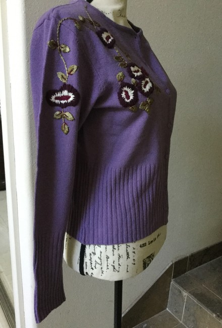 Bisou Bisou Lilac Michele Bohbot Embroidered Cardigan Size 12 (L) Bisou Bisou Lilac Michele Bohbot Embroidered Cardigan Size 12 (L) Image 2
