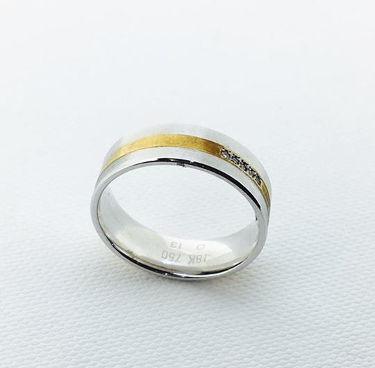 Other 18K Yellow / White Gold Dinmonds Ring UK6.25 Image 1