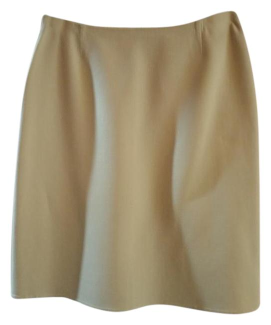 Preload https://img-static.tradesy.com/item/21713755/celine-beige-finition-main-collection-unlined-s-size-4-s-27-0-1-650-650.jpg