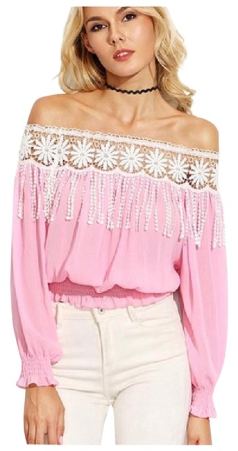 Preload https://img-static.tradesy.com/item/21714163/pink-off-the-shoulder-fringe-blouse-size-6-s-0-1-650-650.jpg