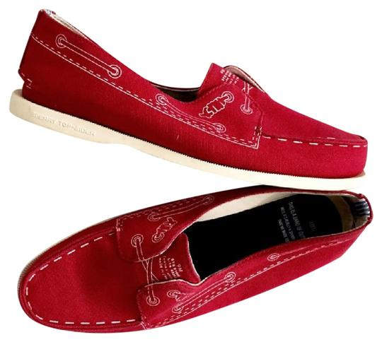 Preload https://img-static.tradesy.com/item/21714458/band-of-outsiders-red-canvas-boat-flats-size-us-9-regular-m-b-0-1-540-540.jpg