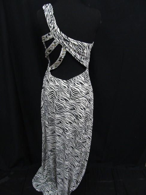Dave & Johnny Prom Pageant Homecoming Dress Image 3