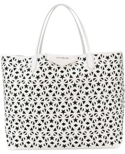 Givenchy Tote in white. Givenchy Antigona Star Perforated with Pouch White  Leather Tote ea296069e3add