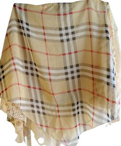 PLAID TRIANGLE SCARF WITH LACE SIDE