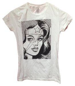 DC Comics T Shirt white and black