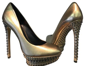 B Brian Atwood 8.5 Gold Pumps