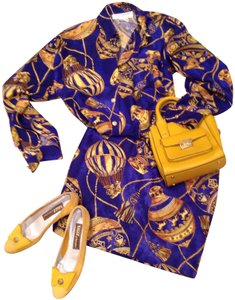 Adrienne Vittadini Top electric blue and yellow gold