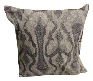 b68b6bde87c Donna Karan NEW DONNA KARAN EMBROIDERED PILLOW BED LIVING RM ELEGANT  250