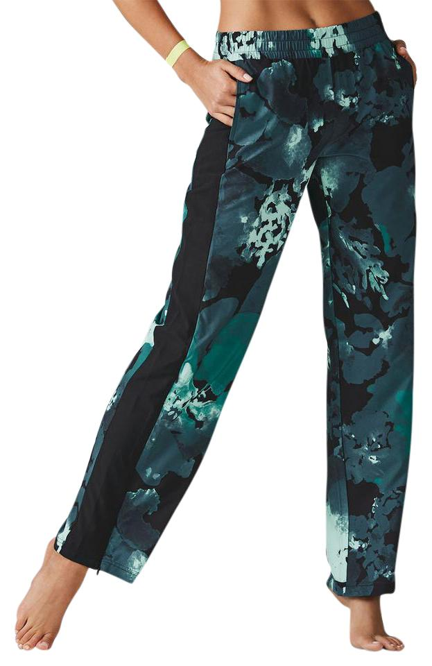 af544ccf4bcd4 Fabletics Silky Elastic Wide Leg Pull On Polyester Relaxed Pants Nocturnal  Floral / Black / Spruce ...