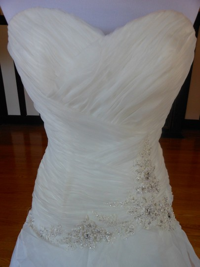Ivory/Silver 20wb1056 Destination Wedding Dress Size 6 (S) Image 3