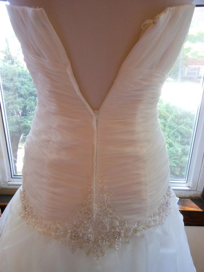 Ivory/Silver 20wb1056 Destination Wedding Dress Size 6 (S) Image 6