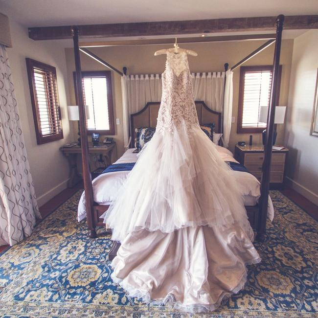 Item - Off White - Nude Underlay with White Lace Sexy Wedding Dress Size 4 (S)