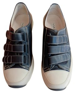 Via Spiga Black and Beige Athletic