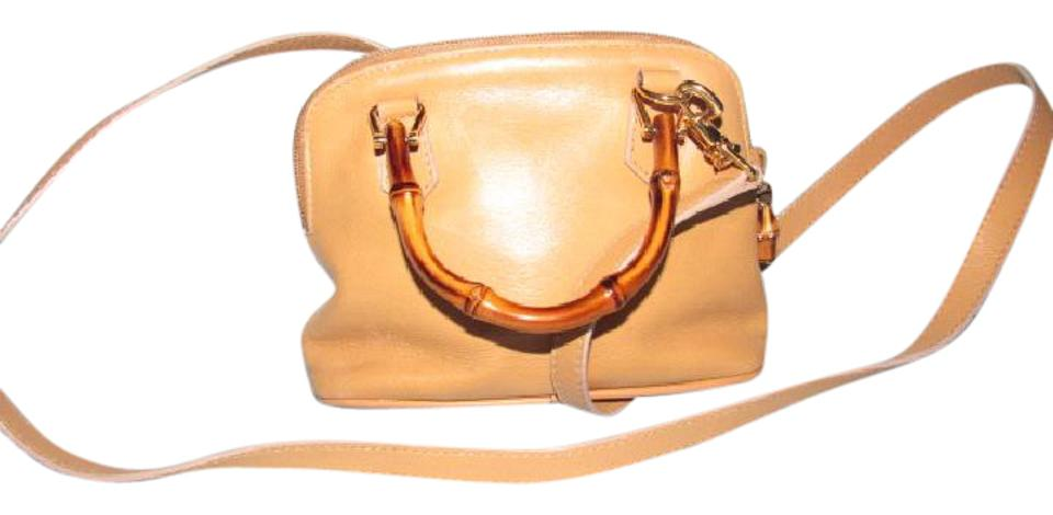 Gucci Excellent Vintage Two-way Style Restored Lining Satchel in light  sand beige colored ... fa2a469e12ac1
