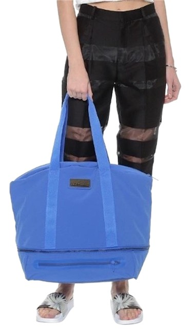 Item - Iconic Big Gym Blue Polyester Weekend/Travel Bag