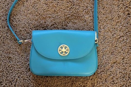 Tory Burch Robinson Gold Hardware Logo Cross Body Bag