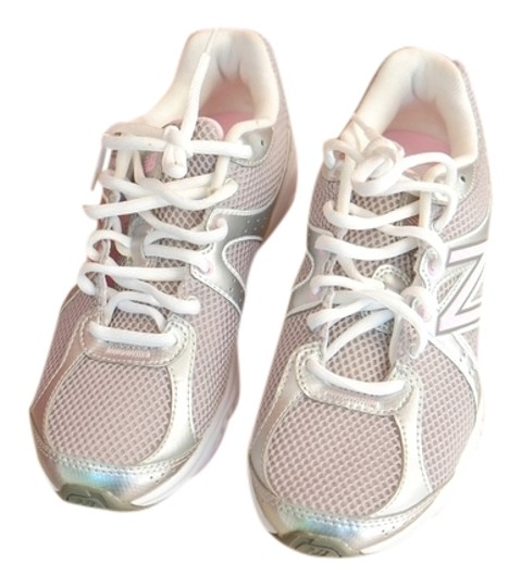 Preload https://item4.tradesy.com/images/new-balance-white-and-pink-susan-g-komen-sneakers-size-us-7-2174133-0-0.jpg?width=440&height=440