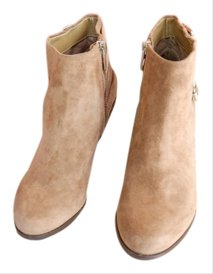 Preload https://item5.tradesy.com/images/sam-edelman-beige-boots-2174154-0-0.jpg?width=440&height=440