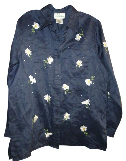 Preload https://img-static.tradesy.com/item/2174262/quacker-factory-blue-background-womens-navy-daisy-daisies-shirt-s-small-blouse-size-4-s-0-0-650-650.jpg
