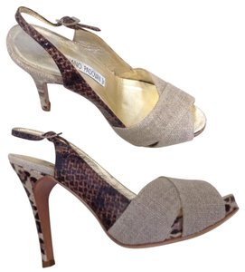 Luciano Padovan Bge/Brown Pumps