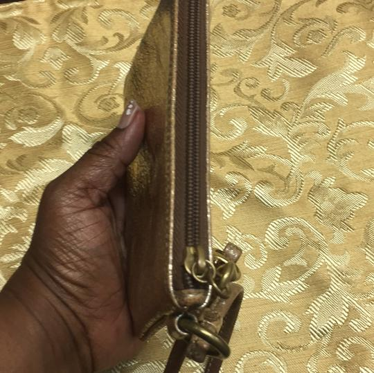 Coach Wristlet in gold Image 10