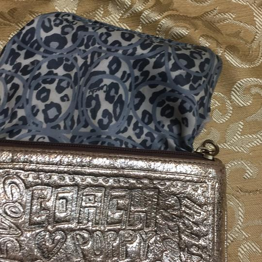 Coach Wristlet in gold Image 3
